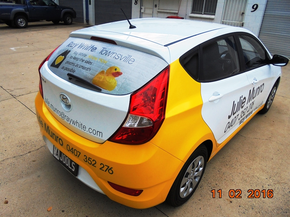 Car signs vehicle graphics northpoint neon signs signwriting illuminated signs townsville